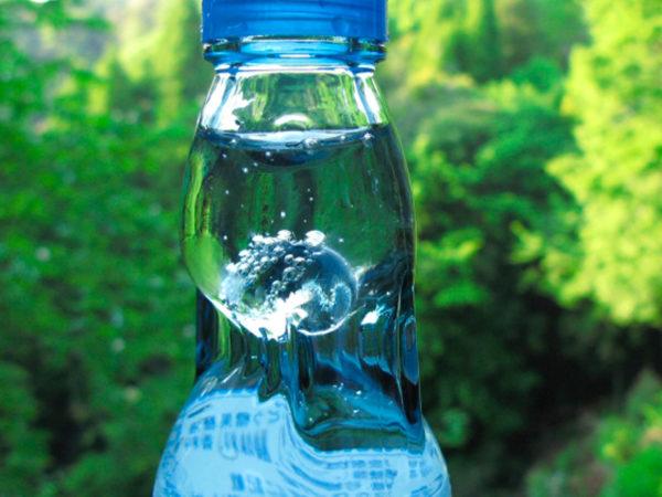 boisson-mediacafe-limonade_japonaise_ramune_bille